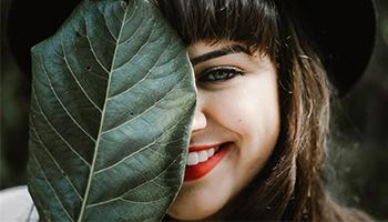 8 prírodných tipov pre zdravé a biele zuby