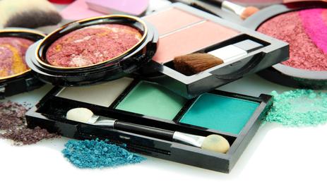 Prírodná a bio dekoratívna kozmetika