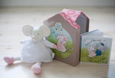Darčekový set DELUXE knižka + hračka - myška Meiya
