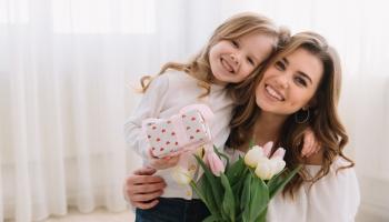 Deň Matiek: vznik, história a význam tohto sviatku