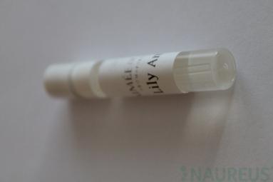 Parfumová voda Lily Ambre - VZORKA